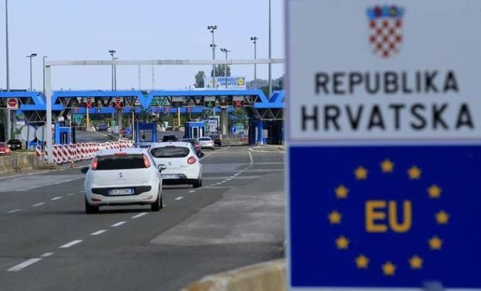 VAŽI I ZA ONE KOJI IMAJU VEĆ UPLAĆENE ARANŽMANE! Hrvatska uvela obaveznu samoizolaciju za građane BiH!